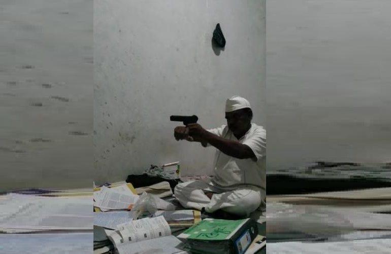 VIDEO : सहा हत्यांच्या गुन्हेगाराकडे जेलमध्येही पिस्तुल