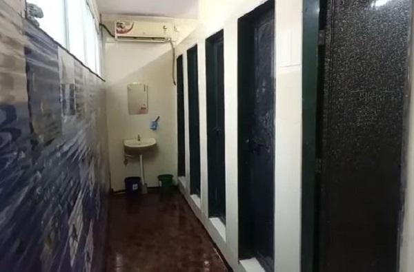 आरामात 'हलके' व्हा! महाराष्ट्रातील पहिले AC शौचालय सुरु