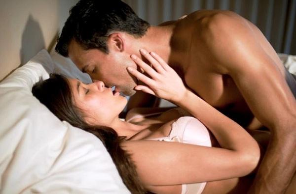 पहिल्याच डेटमध्ये शारीरिक संबंध योग्य की अयोग्य? संशोधकांनी उत्तर शोधलं