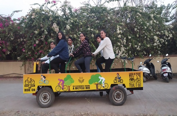 सायकल, मोटारसायकल आणि कार एकत्र करुन पुण्यात 'बायसीकल बस'