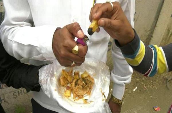 झोमॅटोवरुन मागवलेल्या पनीर चिलीत प्लॅस्टीकचे तुकडे