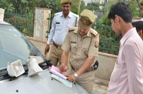 महापालिका आयुक्तांच्या चारचाकी गाडीला चक्क ट्रिपल सीटचा दंड