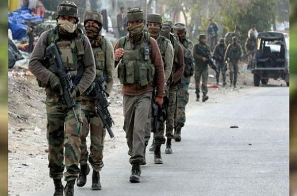 सुप्रीम कोर्टात कलम 35-A वर सुनावणी, काश्मीरमध्ये फुटीरतावाद्यांची धरपकड