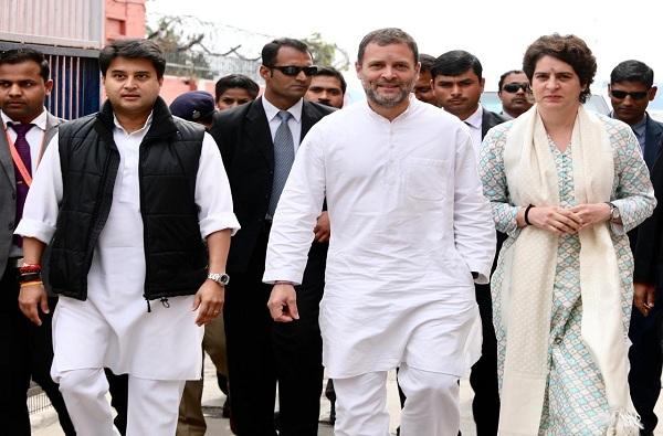 काय मूर्खपणा सुरुय, सगळ्यांना माहितंय, राहुल गांधी हिंदुस्थानी आहे : प्रियांका गांधी