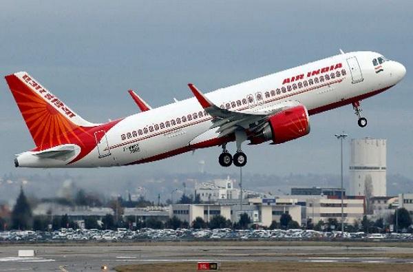 विमान प्रवास करणाऱ्या ज्येष्ठांसाठी खुशखबर, एअर इंडियाकडून तिकिट दरात मोठी सूट