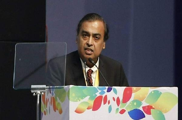 भारतातील सर्वात श्रीमंत व्यक्ती असलेले मुकेश अंबानी जगातील टॉप-10 श्रीमंतांच्या यादीतून बाहेर!