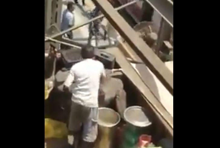 तुम्ही हा व्हिडीओ पाहिल्यानंतर आयुष्यात कधीही रेल्वे स्टेशनवर लिंबू पाणी पिणार नाही