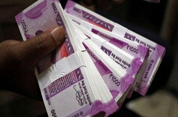 वेगवेगळ्या ठिकाणी जमा 70 हजार कोटी रुपयांना कुणीही वाली नाही