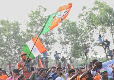 कुमारस्वामी सरकार पडण्याच्या स्थितीत, कर्नाटकात पुन्हा एकदा कमळ फुलणार?
