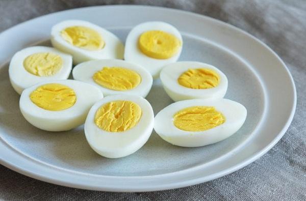 प्लास्टिकची अंडी निव्वळ अफवा, पुण्यात नॅशनल एग्ज कोऑर्डीनेशन कमिटीचा दावा