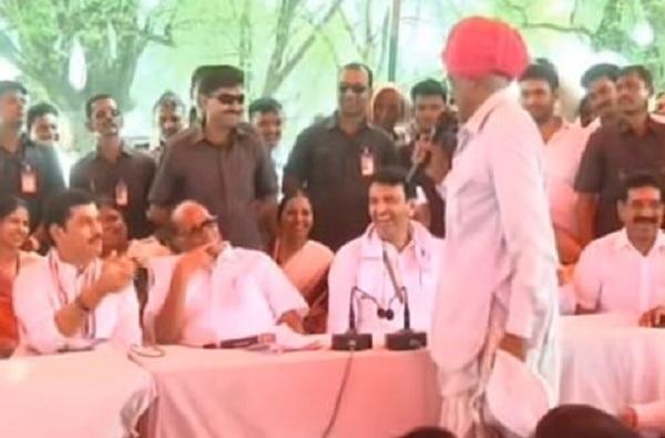VIDEO : साहेब, धनुभाऊला मुख्यमंत्री करा, पवारांसमोर शेतकऱ्याची मागणी