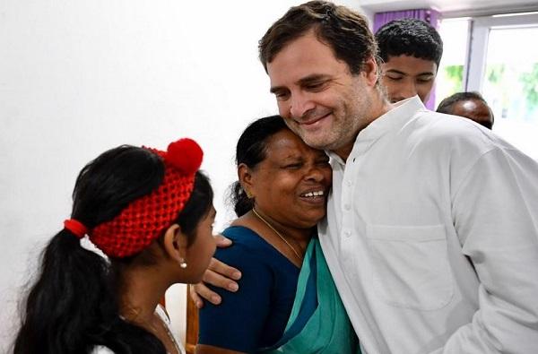 राहुल गांधी जन्मानंतर पहिल्यांदाच कुशीत घेणाऱ्या नर्सच्या भेटीला