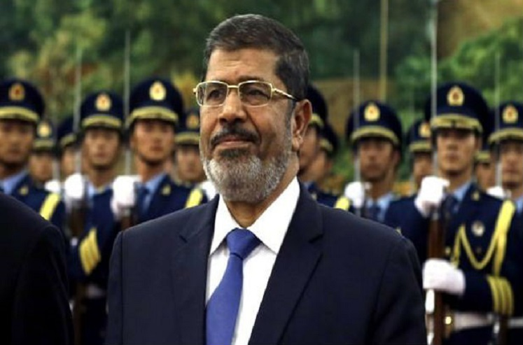 इजिप्तचे माजी राष्ट्राध्यक्ष न्यायालयातच पडले, जागेवर मृत्यू