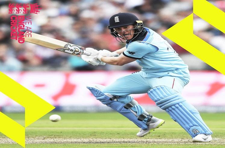 Eoin Morgan : इयान मॉर्गनचा झंझावात, एकट्याचे 17 षटकार, 71 चेंडूत 141 धावा