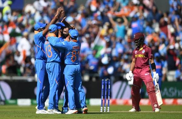 शमीची पुन्हा एकदा घातक गोलंदाजी, वेस्ट इंडिजचा 125 धावांनी धुव्वा