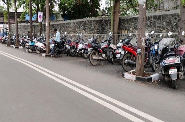 नो पार्किंगमध्ये गाडी उभी केल्यास 10 हजार रुपयांचा दंड