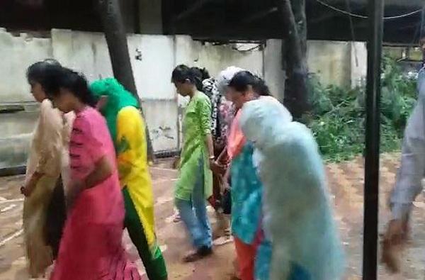 गरीबांची मुलं दत्तक घेऊन श्रीमंतांना विक्री, मुंबईत महिलांच्या टोळीला अटक