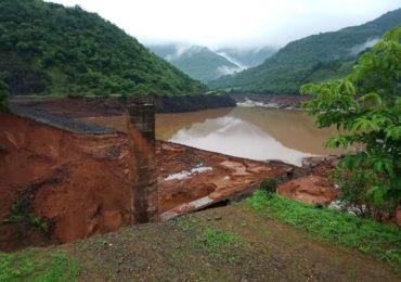 Tiware Dam Breached : 16 मृतदेह हाती, 8 बेपत्तांचा शोध, तिवरे पीडितांना घरं बांधून देणार