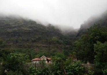 निसर्गाचं सौंदर्य, धुक्याची चादर, मुंबई-पुण्याजवळील 10 प्रसिद्ध ठिकाणं