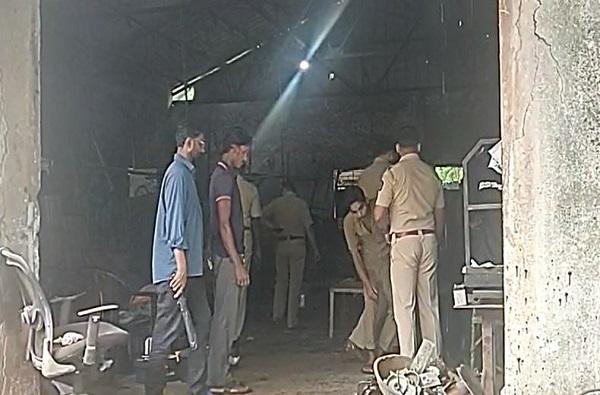 नवी मुंबईत भंगाराच्या गोदामात झोपलेल्या तीन कामगारांची हत्या