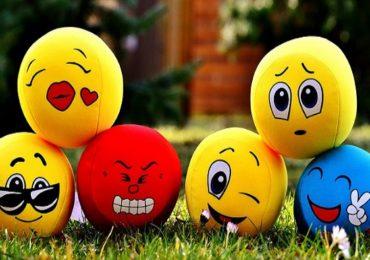 World Emoji Day : भारतात 'या' दोन इमोजींचा सर्वाधिक वापर
