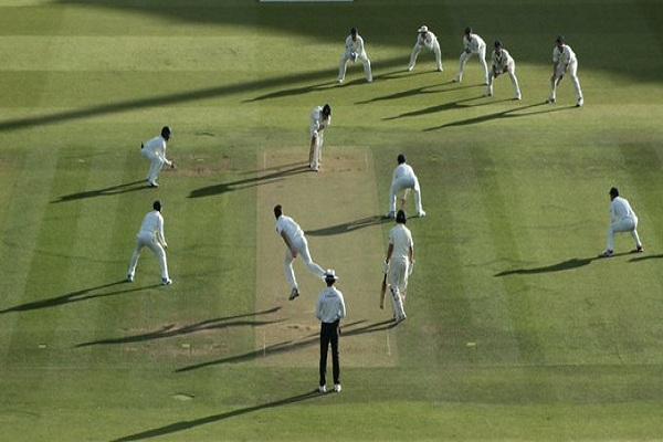 इंग्लंडकडून अपमानाचा बदला, आयर्लंडला फक्त 38 धावात गुंडाळलं