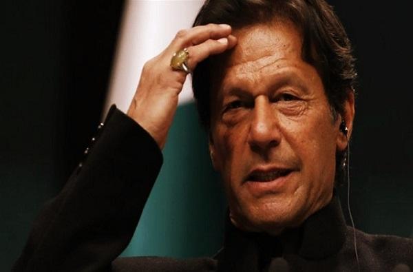 कर्जबाजारी पाकिस्तानचा पाय खोलात, FATF च्या काळ्या यादीत समावेश