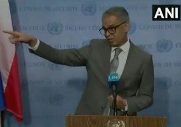 UNSC : सय्यद अकबरुद्दीन पाक पत्रकाराच्या जवळ गेले, शिमला करार सांगितला