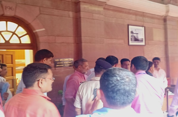 पूरस्थितीवर चर्चेसाठी नाना दिल्लीत, अमित शाहांचीही भेट