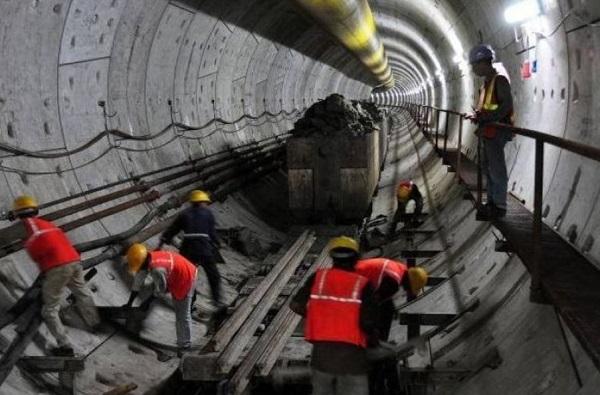 मोदी सरकार इतिहास रचणार, लवकरच पाण्याखालून मेट्रो धावणार