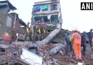 भिवंडीत चारमजली इमारत कोसळली, दोघांचा मृत्यू, पाच-सहा जण अडकल्याची भीती