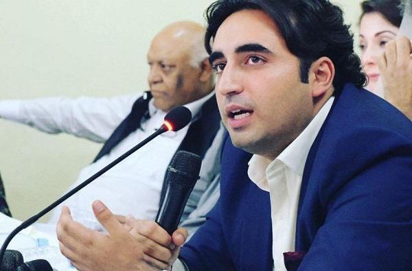 काश्मीर सोडा, मुजफ्फराबाद वाचवा, इम्रान खानला घरचा आहेर