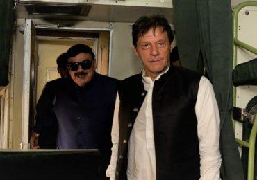 आंतरराष्ट्रीय कोर्टात जाण्यापूर्वीच पाकिस्तानच्या वकिलाने गुडघे टेकले