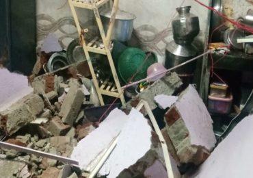 मालाडमध्ये सिलेंडर स्फोटात घर उद्धवस्त, भिंत कोसळून महिलेचा मृत्यू