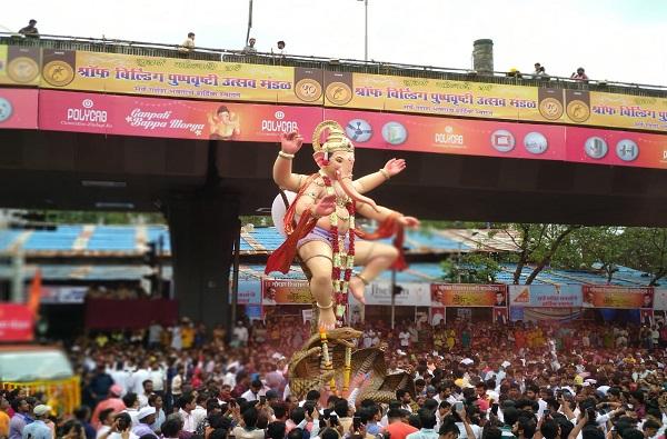 Ganeshotsav 2020 | यंदा गणेशमूर्तींची उंची 4 फुटांपर्यंतच, मुख्यमंत्र्यांकडून सार्वजनिक गणेशोत्सव मंडळांना 10  सूचना