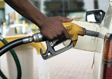 Petrol Diesel Price Hike   इंधन दरवाढ 'विदाऊट ब्रेक' सुरुच, दहा दिवसात पेट्रोल-डिझेल किती महाग?