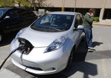 Renault कंपनीची इलेक्ट्रिक कार लाँच, पाहा फीचर आणि किंमत