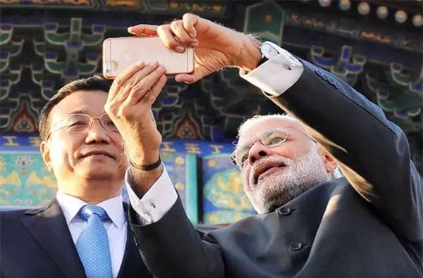 PM Narendra Modi Birthday : पंतप्रधान मोदी कोणता स्मार्टफोन, कोणतं सिमकार्ड वापरतात?