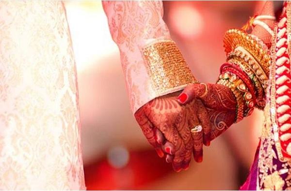 'समीप आलेली लग्नघटिका' पुढे ढकलली, 5 हजार वऱ्हाडी थोपवले, 'कोरोना'मुळे विवाह सोहळे रद्द