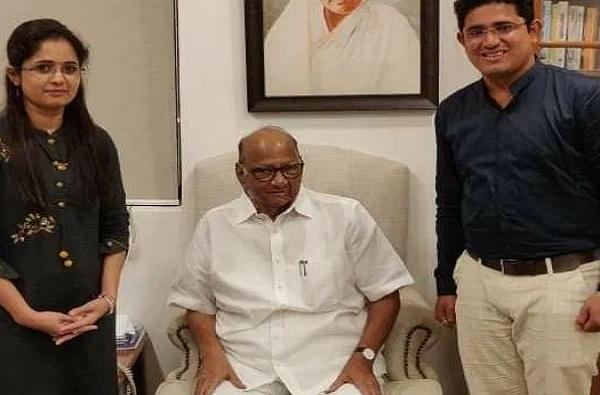 Kalpita Patil meets Sharad Pawar
