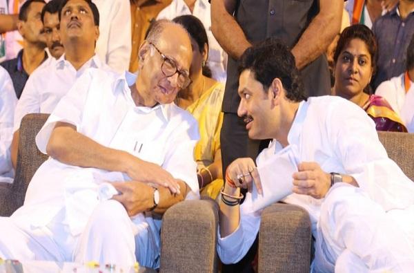 Jitendra Awhad on Dhananjay Munde