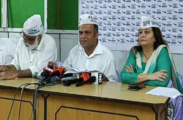 AAP Dhananjay Shinde Priti Menan 2