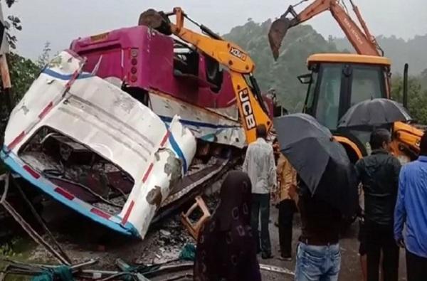 Gujrat bus accident