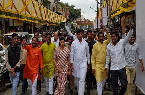 Navneet rana election campaigning for her husband