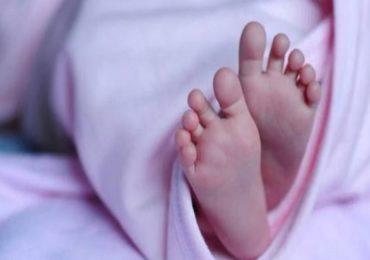 आईने मुलाला रुग्णालयात सोडले, डॉक्टरांनी मंदिराबाहेर फेकले, नवजात बालकाचा मृत्यू