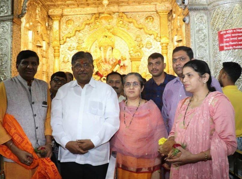 Chandrakant Patil at Dagadusheth