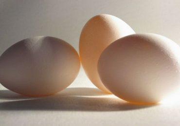 कांदा-बटाट्यानंतर आता अंड्यांच्या किंमतीत वाढ, एक डझन अंड्यांची किंमत...