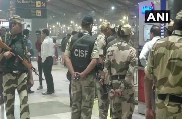 दिल्ली एअरपोर्टवर बेवारस बॅग, RDX सारख्या भीषण स्फोटकांची शक्यता