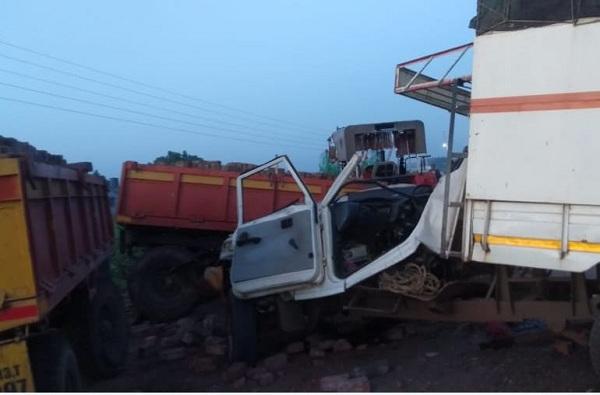 पंढरपूरजवळ टेम्पो-ट्रॅक्टरचा भीषण अपघात, पाच वारकऱ्यांवर काळाचा घाला