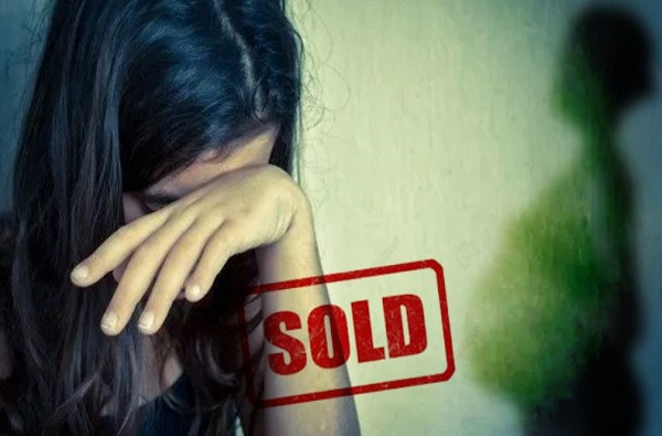 व्यसनी वडिलांकडून 13 वर्षीय मुलीची विक्री, मुलीच्या पोटात चार महिन्यांचा गर्भ